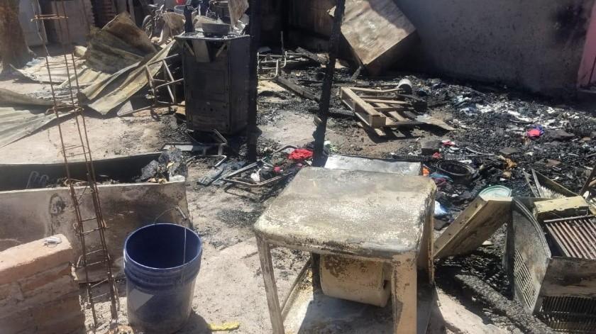 Una familia navojoense perdió sus pertenencias en un incendio.(Banco Digital)