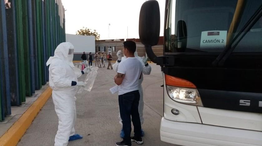 Se valoró el estado de salud de los 31 mexicanos que provenían de esta embarcación.(Cortesía)