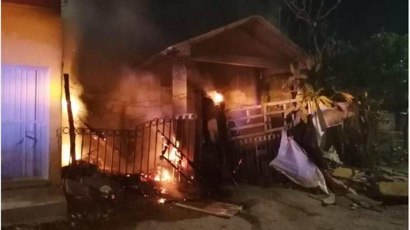 Rescatan a familia de incendio en casa de colonia López Portillo(GH)