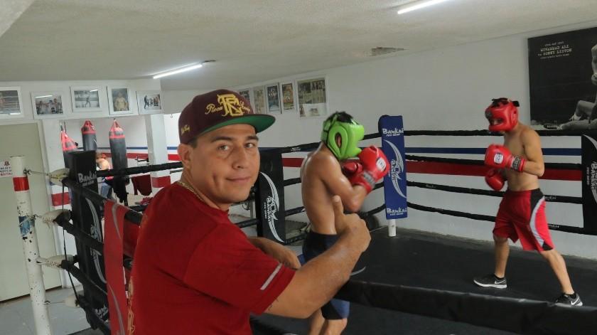 Alfredo Caballero está al frente del Gimnasio Caballero Boxing Club.(Anahí Velásquez)