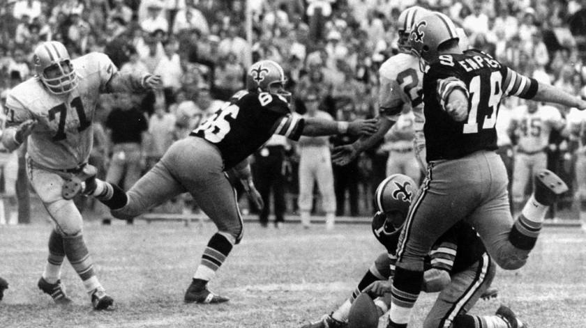 Dempsey, quien jugó en la NFL a pesar de haber nacido sin dedos en sus pies e hizo un récord de 63- Gol de campo, murió el sábado 4 de abril de 2020 mientras luchaba con las complicaciones del nuevo coronavirus.(AP)