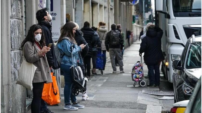 Italia tendrá que convivir con el coronavirus hasta que haya una vacuna, según el ministro de Sanidad italiano, Roberto Speranza, quien asegura que el Gobierno trabaja en un plan(EFE)