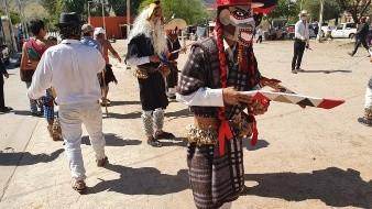Realizan ceremonia de la palma bendita en el Coloso Bajo