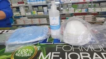 Continúa escasez de cubrebocas e insumos de protección personal en farmacias