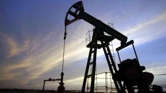 Petróleo en Texas sigue cayendo ante incertidumbre en Rusia y Arabia Saudita