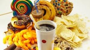 Estos son los alimentos que dañan tu sistema inmunológico