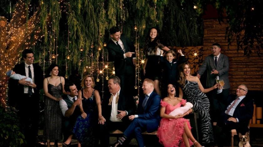 """""""Modern Family"""" e 244 episodios, giró desde el principio en torno a tres familias muy particulares: Jay Pritchett es el patriarca de una de ellas y es padre de Cam y Claire. Está casado con Gloria y es padrastro de Manny.(EFE)"""