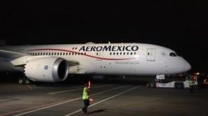 Avión con insumos médicos llega a México desde China