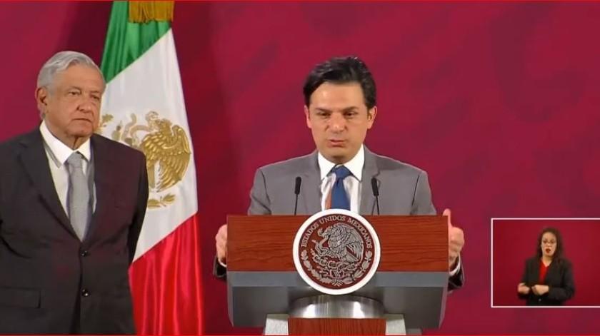 Zoé Robledo, titular del Instituto Mexicano del Seguro Social (IMSS), acusó al periodista Carlos Loret de Mola de difundir información errónea.
