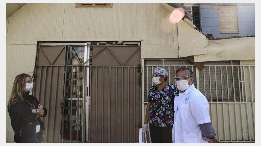 El pastor permanece en una unidad de cuidados intensivos de Puente Alto. Su esposa, que también se infectó, está en una residencia sanitaria.(AP)