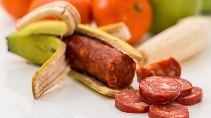 Los embutidos encabezan la lista. De acuerdo a la Organización Mundial de la Salud este tipo de carnes a largo plazo te puede aumentar el riesgo de padecer cáncer de colon y de mama.(Pixabay.)