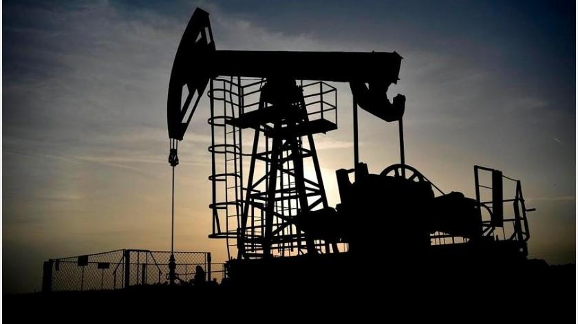 El Gobierno de México propuso este jueves bajar la producción de petróleo en 100.000 barriles diarios, por debajo de los 400.000 propuestos en la reunión de ministros de la OPEP(EFE)