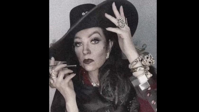 """En el video estaba vestida muy al estilo de María Félix y al fondo tenía la canción """"María Bonita"""" de Agustín Lara.(Capture.)"""