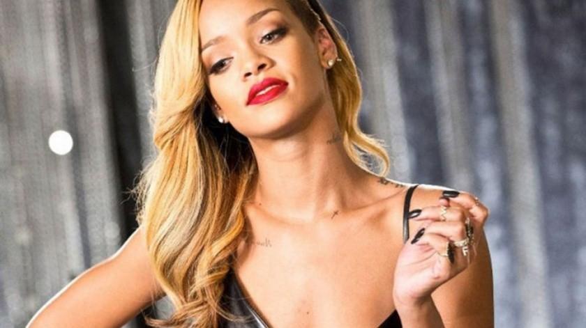 Rihanna vivió momentos de angustia por la salud de su padre.(Agencia México)