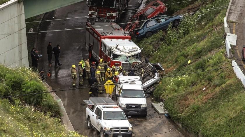 La tragedia ocurrió cuando la mujer perdió el control de su vehículo.