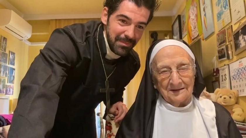 """La famosa """"Tata"""" es abuelita del actor español Miguel Ángel Muñoz.(Internet)"""