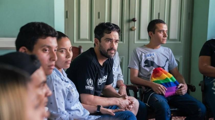 Alfonso Herrera apoya campaña en pro de refugiados.(Internet)