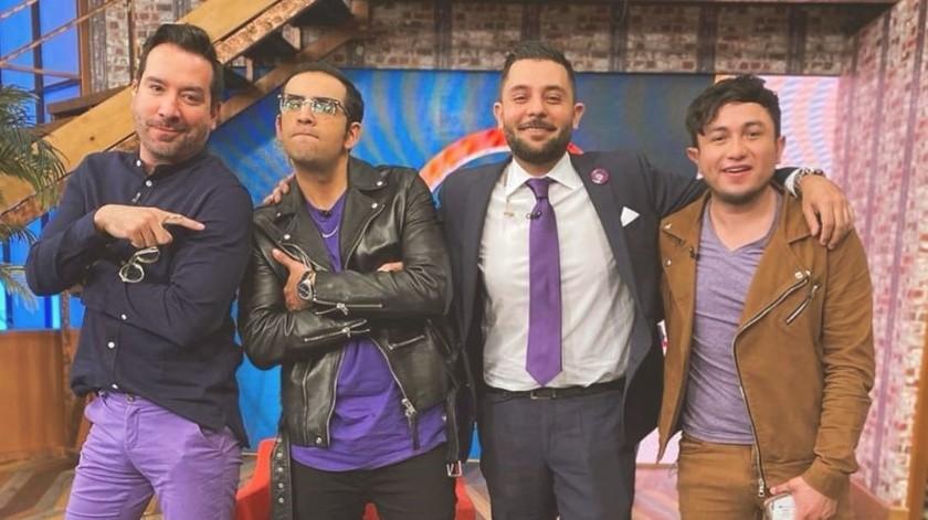 Gabo Cuevas con sus compañeros de Tv Azteca.(Instagram)
