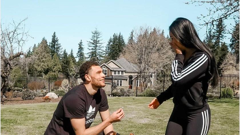 Zach LaVine le propone matrimonio a su pareja en medio de la pandemia(Instagram @zachlavine8)