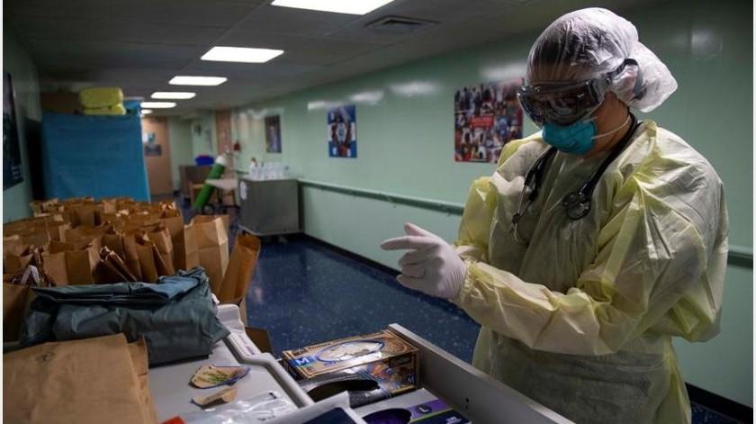 Las autoridades del Ministerio de Salud chileno actualizaron este miércoles las cifras de la evolución del coronavirus en el país, que suman ya un total 8.273 casos de personas contagiadas y 95 fallecidos.(EFE)