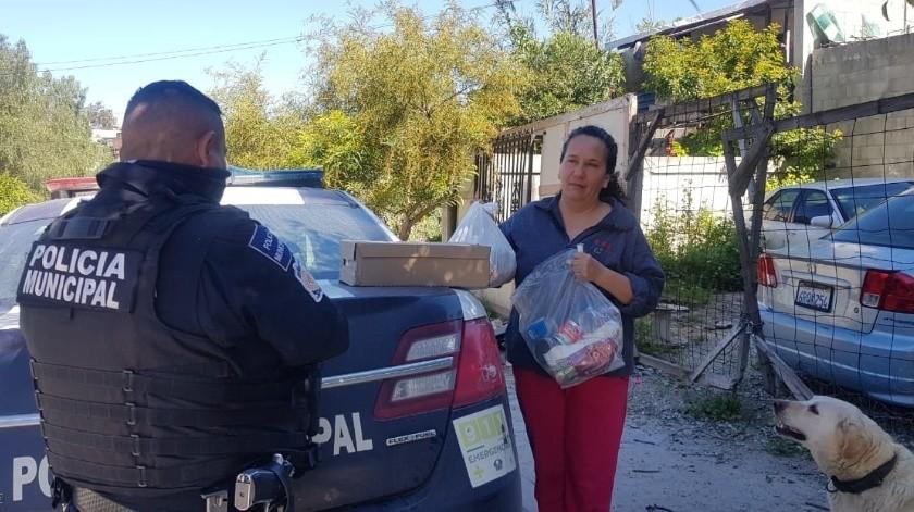 Se gestionó la entrega de 242 despensas por parte del Sistema DIF a familiares de algunos de los adolescentes que participan en el programa de la Policía Juvenil..(Cortesía)