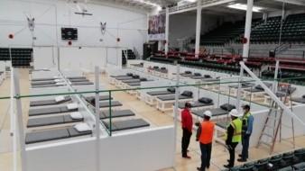 En el interior del auditorio se tendrá capacidad para entre 90 y 115 camas.