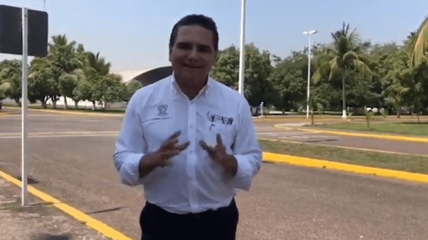 El gobernador de Michoacán dijo que ellos se encargarán de cuidar la salud de sus ciudadanos.(Captura de pantalla)