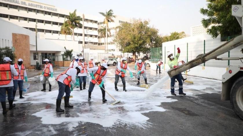 Cemex sanitiza áreas comunes por Covid-19(Twitter @MauVila)