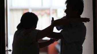Dan asesoría en 911 en casos de violencia familiar