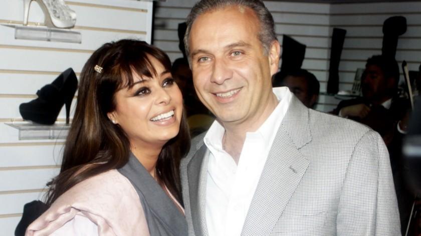 Yadhira Carrillo y Juan Colado celebran ocho años de matrimonio.(Agencia México)