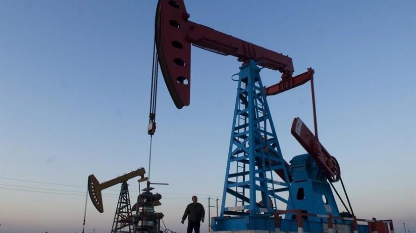 Petróleo de Texas en caída histórica y por debajo de 5 dólares el barril