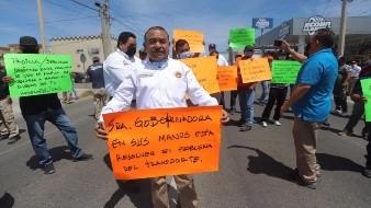 Operadores del transporte urbano exigen pago de descuentos en sueldo y kits contra Covid-19