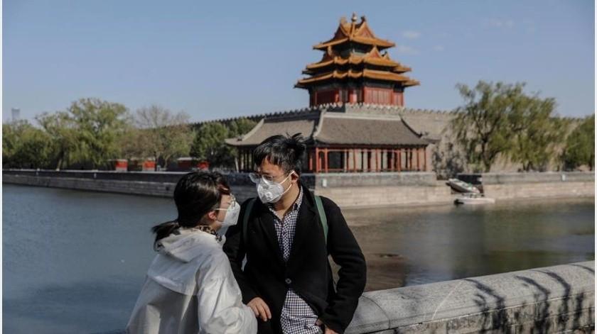 Los nuevos casos de coronavirus bajaron el lunes en China hasta 11, cuatro de ellos procedentes del exterior, frente a los 12 contagios del domingo y los 16 del sábado, informó hoy la Comisión Nacional de Salud.(EFE)