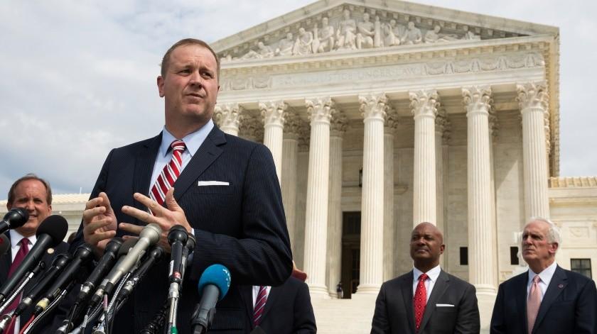 El fiscal general de Missouri, Eric Schmitt, da una conferencia de prensa el 9 de septiembre de 2019, en Washington.(AP)