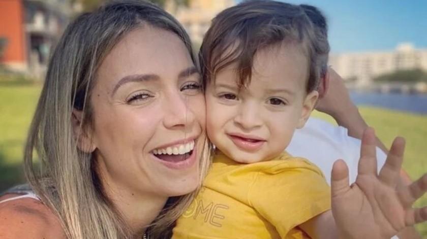 Alessandra Villegas se pone creativa por su pequeño hijo