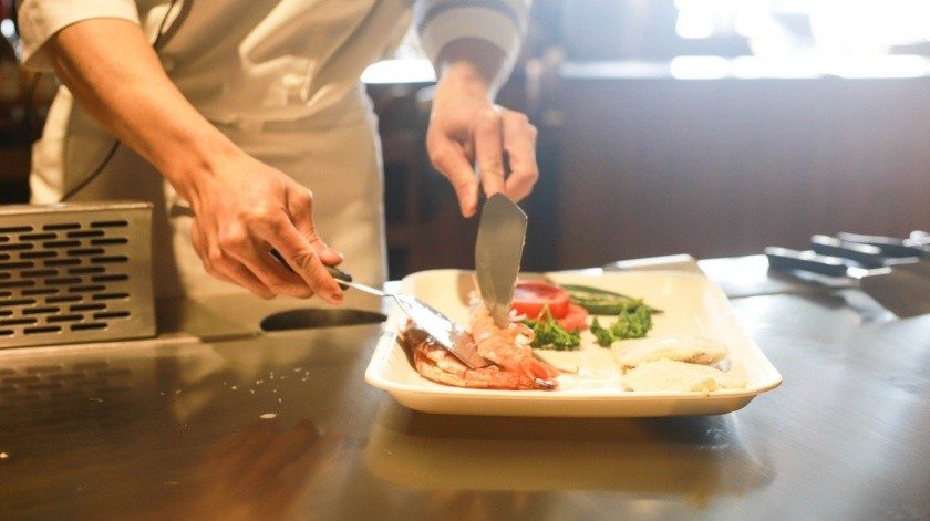Las comidas son distribuidas por la empresa concesionaria que sirve habitualmente al centro sanitario.(Pixabay.)