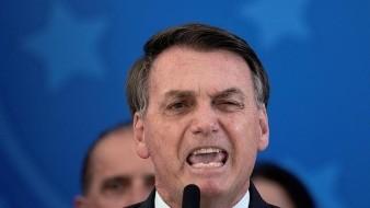 Bolsonaro acude a manifestación con ministros y destaca la aglomeración