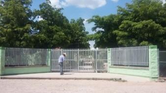 Roban escuela en colonia Puerta del Rey