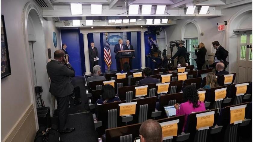 Donald Trump insinuó este sábado que podría cancelar sus ruedas de prensa diarias sobre COVID-19 tras unas polémicas declaraciones suyas(EFE)