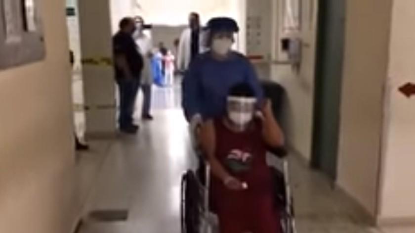 Dan de alta a paciente tras pasar 10 días intubada por Covid-19 en Oaxaca(Captura de pantalla)