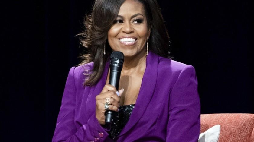 "La ex primera dama Michelle Obama durante la conferencia ""Becoming: An Intimate Conversation with Michelle Obama"" en Atlanta.(AP)"