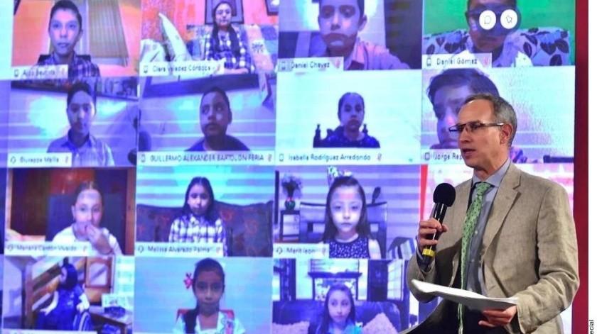 López-Gatell recibió preguntas de niños de distintas partes del País.(Agencia Reforma)