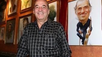 El cantautor mexicano Óscar Chávez.