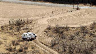 Rescatan a migrantes del desierto de Yuma