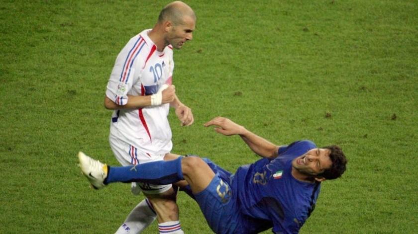 Zinedine Zidane y Marco Materazzi(AFP)