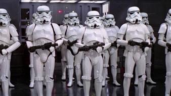 Fue detenida mujer disfrazada de Stormtroopers
