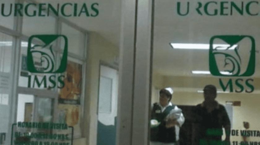 """Luis, hace """"el trabajo sucio en el IMSS"""" que """"nadie quiere hacer""""(Internet)"""