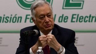 Bartlett: Inhabilitan y multan a empresa de su hijo por venta de ventiladores a Hidalgo