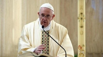 Papa Francisco reza por periodistas y reporteros que laboran en tiempos de pandemia