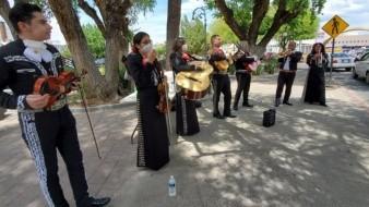 Llegan mariachis a Garita de Nogales para pedir apoyo ante Covid-19